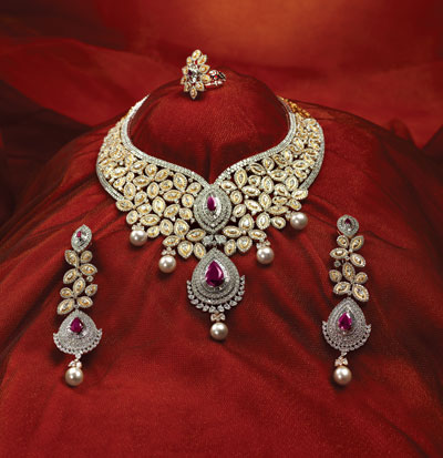 Exclusive Diamond Jewelry Set Photos