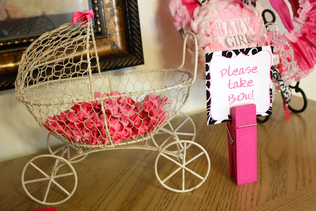 Tini Posh Sophia 39 S Baby Shower Pink Black And White Theme