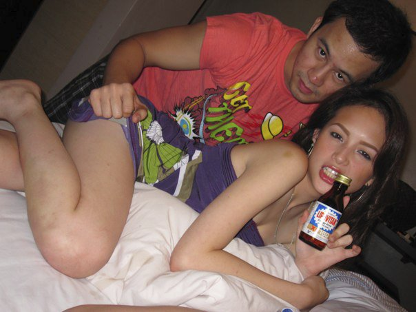 sexy ellen adarna naughty in bed 01