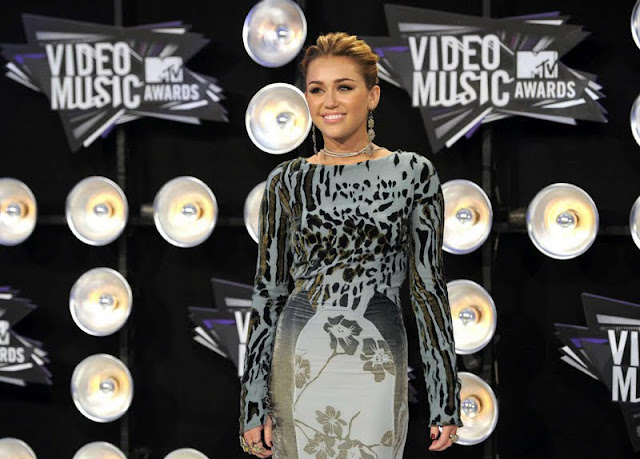 Miley Cyrus – 2011 MTV Video Music Awards