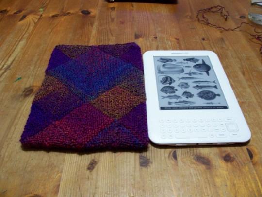 Kindle Knitting Patterns : Free Christmas Knitting Patterns: KINDLE COVER KNITTING PATTERN
