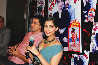 Sonam Kapoor and Imran Khan Launches Stardust Magazine (1).JPG
