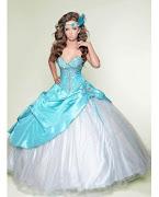 Ideal las transparencias y las telas en lycra para Otoño Invierno 2012