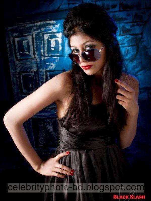 Ramp+Model+Mumtaheena+Toya+Studio+Black+Slash+PhotoShoot+And+Hot+Pose008