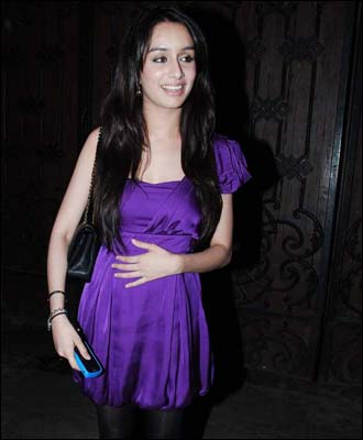 Shraddha Kapoor Long Straight Hairstyle
