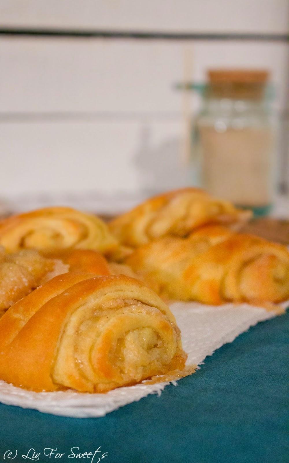 Franzbrötchen aus Hefeteig mit Zimt und Zucker und pflanzlicher Margarine, Rezept auch für den Thermomix