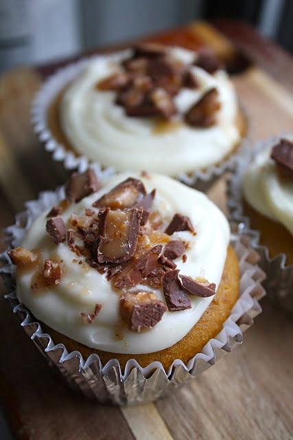 Ina Garten Cupcakes sparrows & spatulas: ina garten's pumpkin cupcake with maple frosting