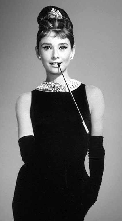 http://1.bp.blogspot.com/-W4mKUlSlnsk/Tcjlo4yjsCI/AAAAAAABcfQ/_ybImDmpQp4/s1600/Audrey-Hepburn-little-black-dress-New-Style-of-Little-Black-Dress-for-Fashion-Trend-2011-of-Women.jpg
