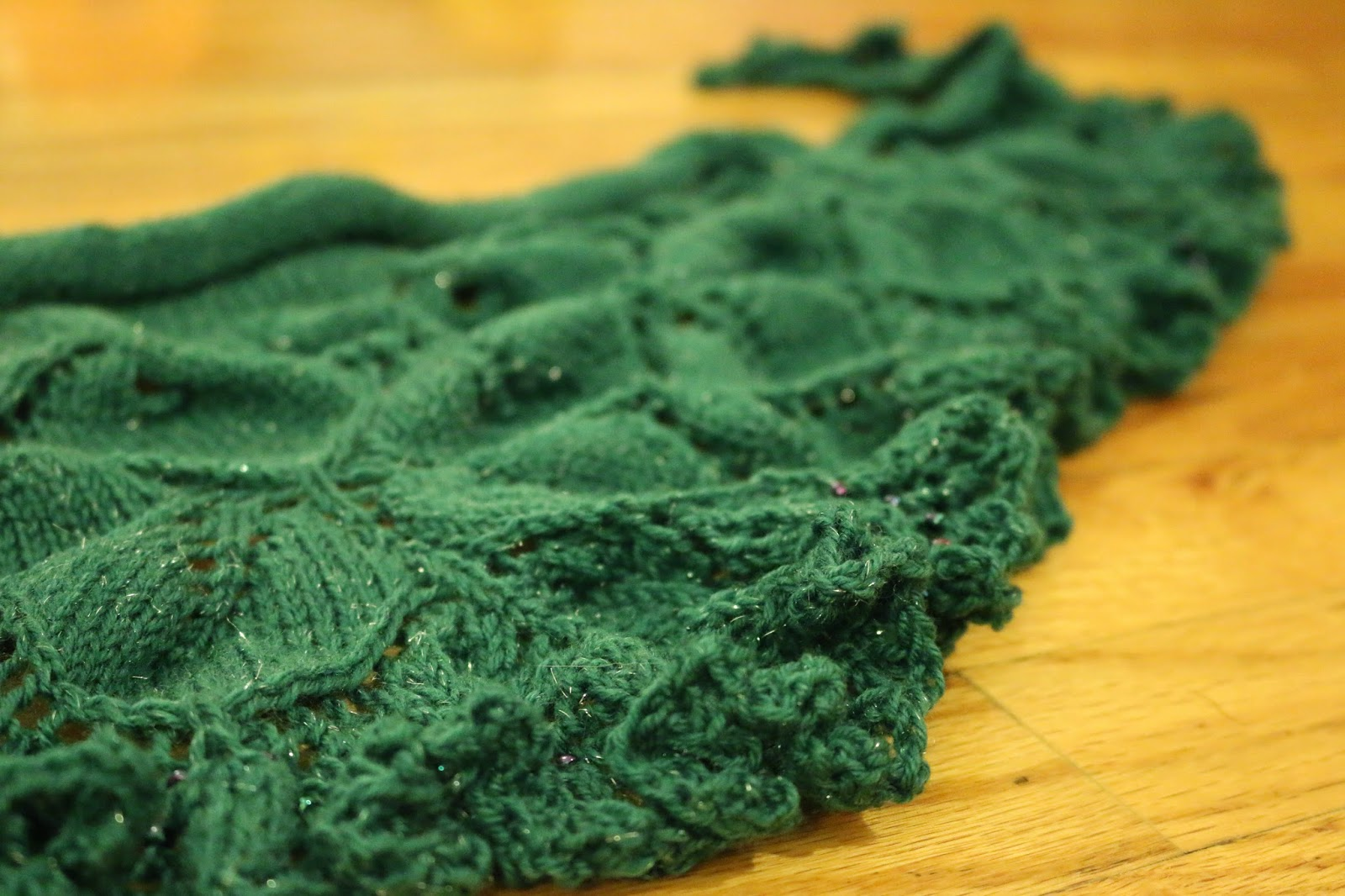 Chemknits july 2015 you may not think im serious but the bind off of this shawl is taking me longer than the 5 lace rows i had left and that includes the time to put fandeluxe Gallery
