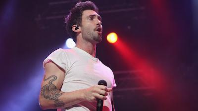 Wallpaper Vokalis Maroon 5 Keren