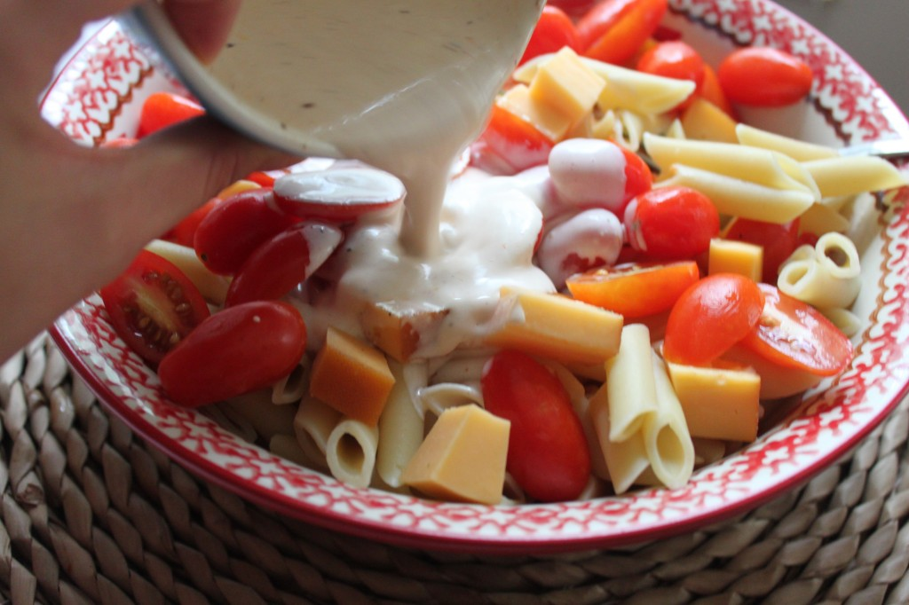 spicy pasta salad with smoked gouda tomatoes and basil spicy pasta ...