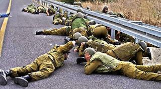 ilustrasi tentara Israel ketakutan (alqassam.ps)