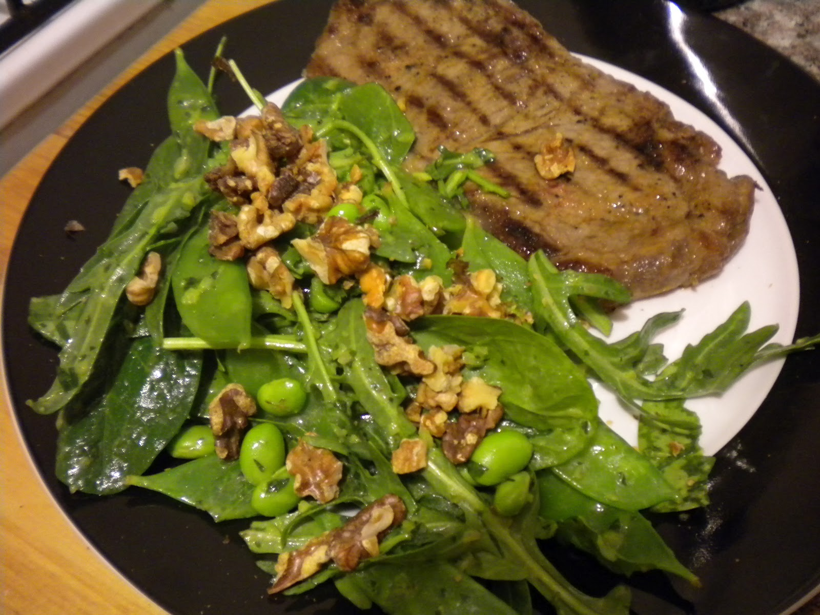 want that...: Pea Shoot and Walnut Salad with Homemade Dressing