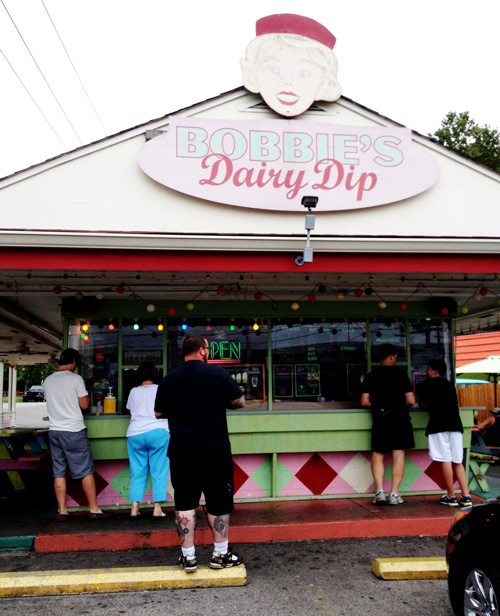 A review of Bobbie's Dairy Dip in Nashville Tennessee