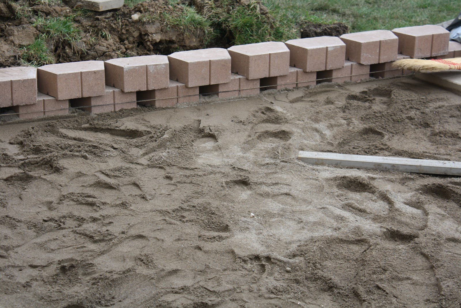 How To Lay Patio Pavers Dirt