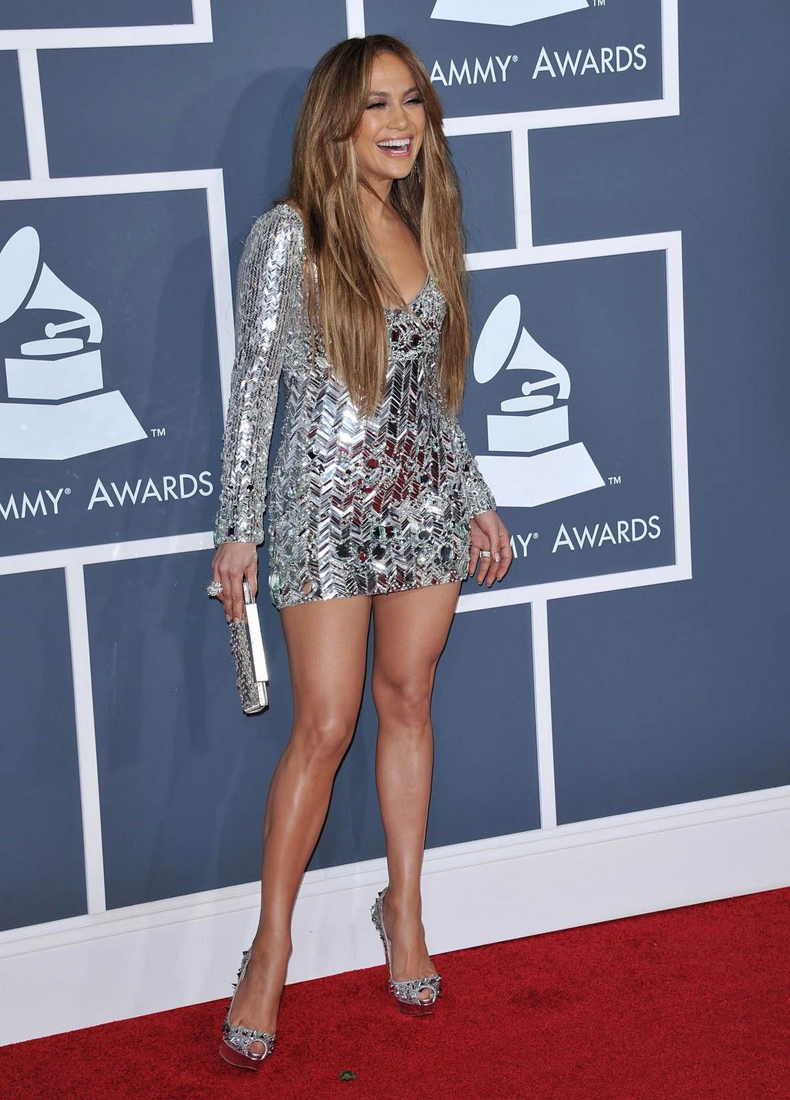 http://1.bp.blogspot.com/-W5g7GuCK3gQ/TuEiveGPqSI/AAAAAAAAAzU/XDeKw_0iV6Y/s1600/jennifer_lopez_grammy_dress_7.jpg