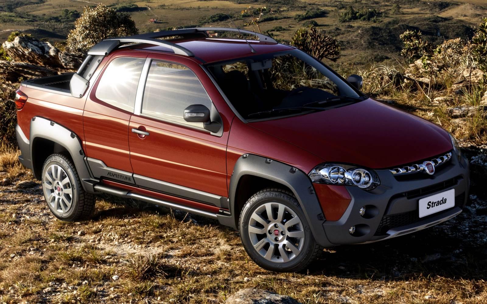 VW Saveiro Cabine Dupla x Fiat Strada Cabine Dupla