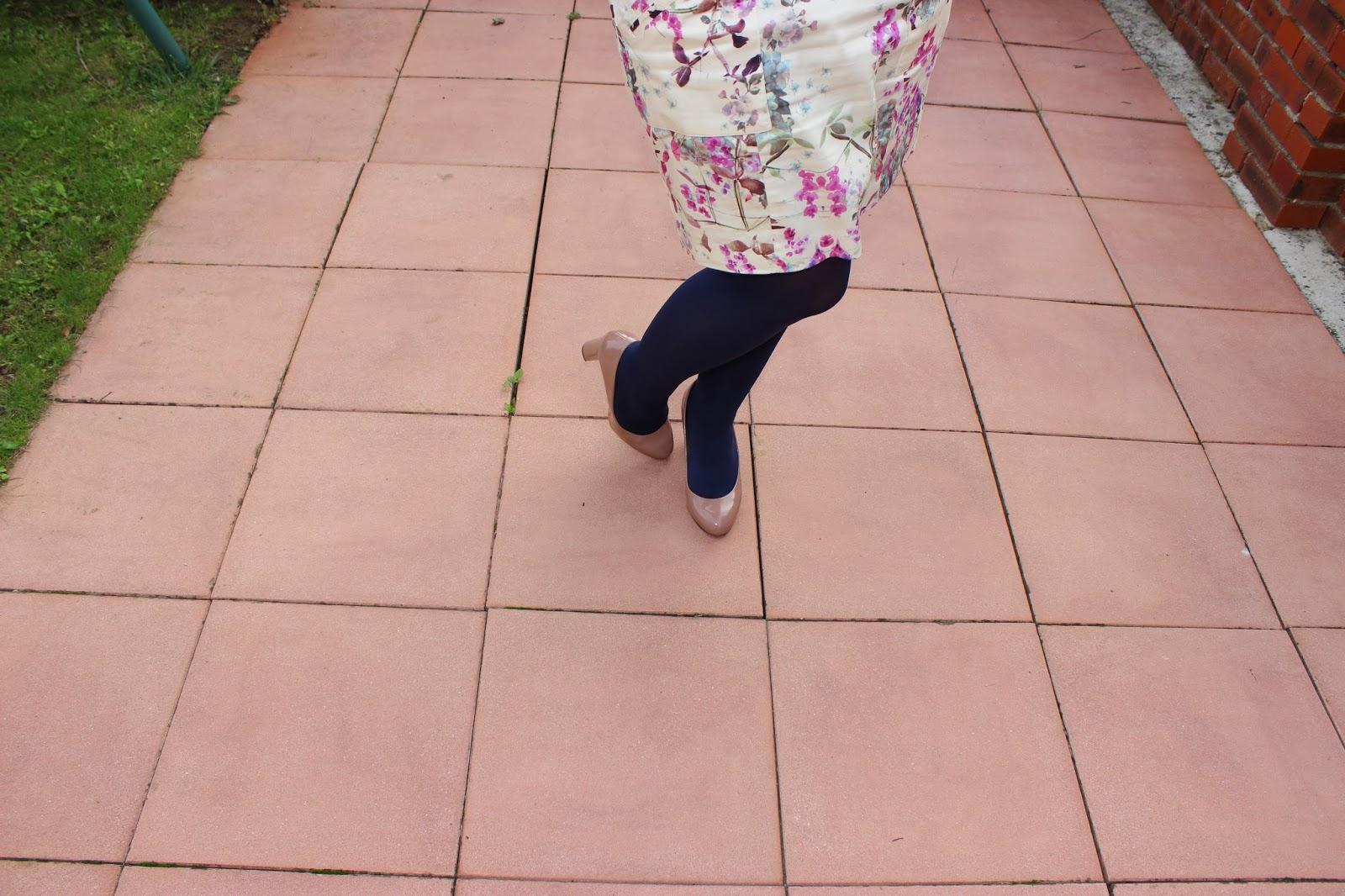 Jupe fleurie Naf Naf Chaussures Geox