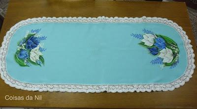"""""""caminho de mesa com pintura e croche"""""""