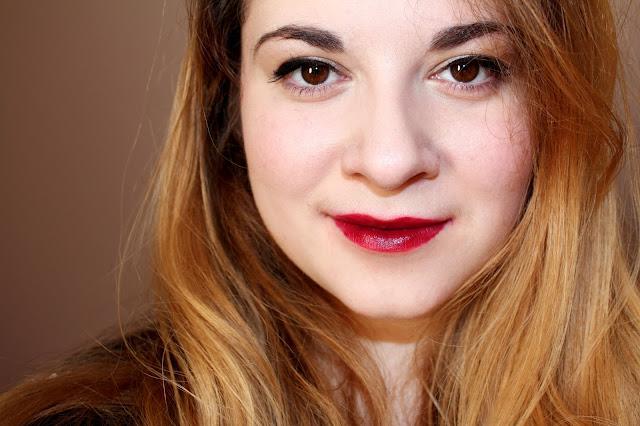 Revue rouge à lèvres glam plum Rimmel dupe mac