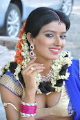 Manisha singh new sizzling pics-thumbnail-4