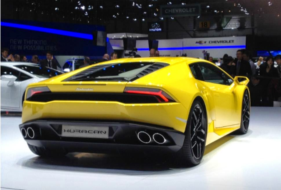 Lamborghini Huracan LP 610-4 back view,Lamborghini Huracan LP 610-4 HD Wallpaper