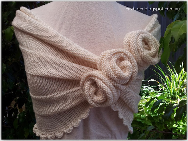 crocheted summer rosette capelet