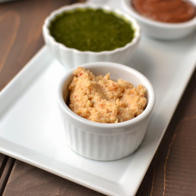 Shingdaana Lehsun Chutney/ Peanut-Garlic Chutney