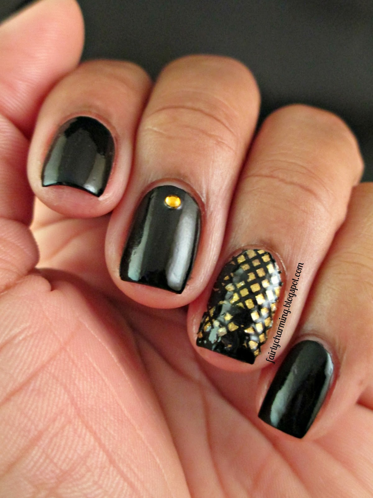 Rimmel Black Satin, China Glaze Champagne Bubbles, Fingrs Lace Up Kit, black, gold, lace, elegant, simple, formal, black tie, nails, nail art, nail design, mani