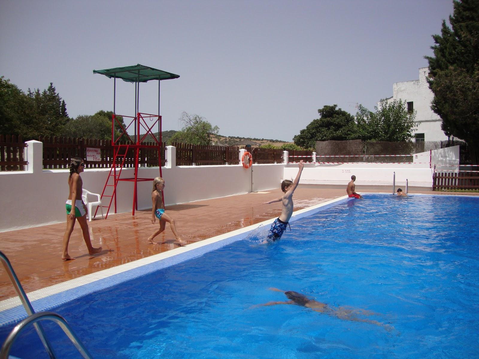 Fotos de la piscina amazing la piscina est finalizada for Piscina municipal de orcera