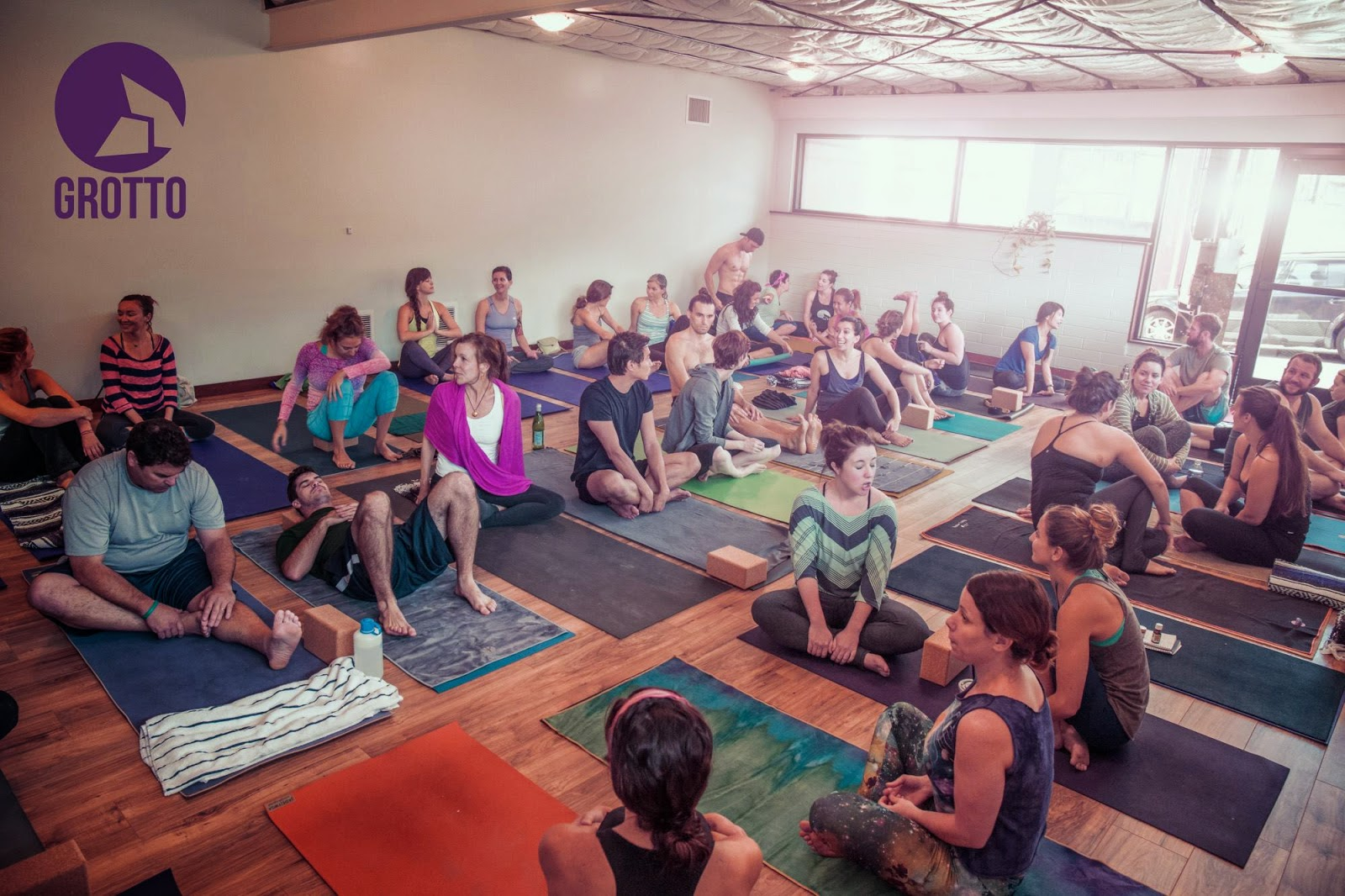 Sandiegoville grotto climbing yoga opens in san diego for Yoga retreat san diego