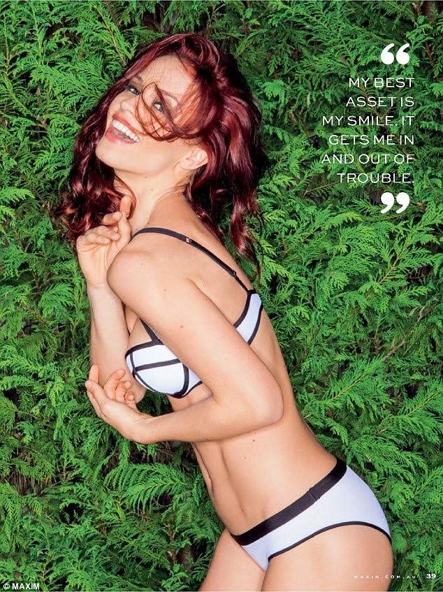 """نجمة التلفزيون """"لورين برانت"""" في صور جريئة لمجلة Maxim"""