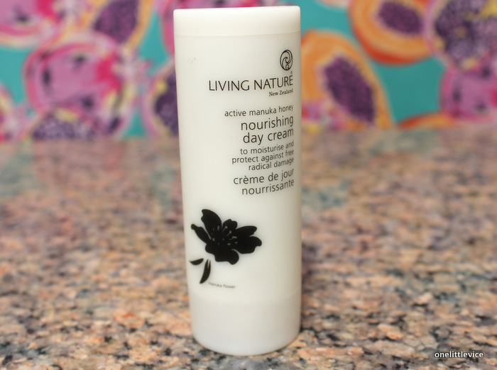 natural, cruelty free nourishing moisturiser for dry skin: onelittlevice beauty blog