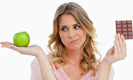 What Dating And Dieting Have In Common  - woman diet holding apple and chocolate