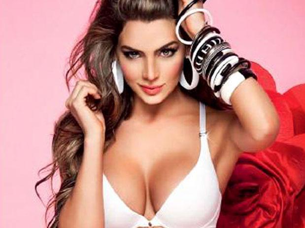 Galeria De La Sey Modelo Natalia Velez Posando En Bikini Y Lenceria