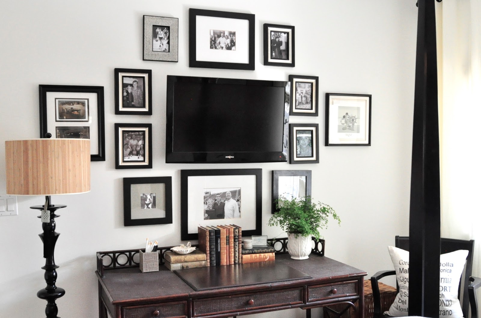 Project design gallery wall inspiration classic casual home for Bedroom shelves inspiration