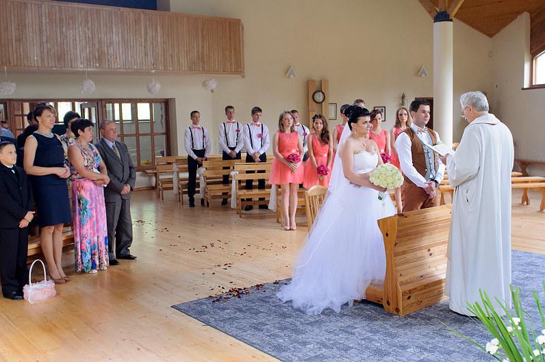 vestuvės Berčiūnų Lietuvos kankinių bažnyčioje