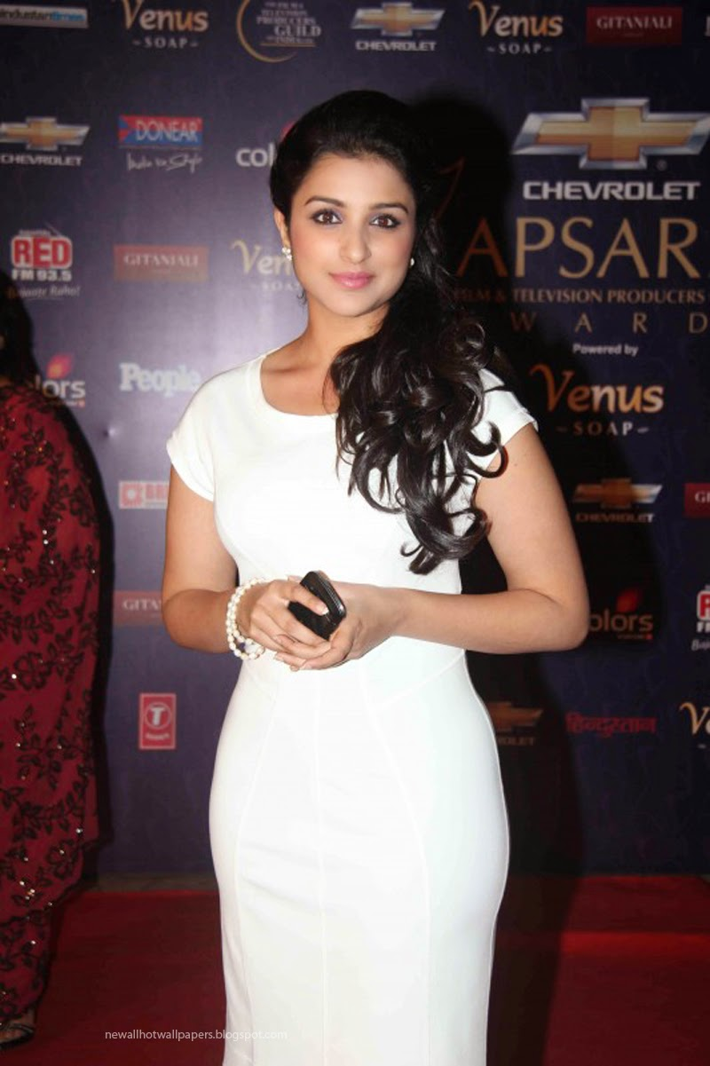 Parineeti Chopra Sey Wallpapers Are Available Here