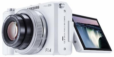 http://www.prophoto-online.de/fotonachrichten/Samsung-EX2F-ab-sofort-mit-CEWE-Applikation-erhaeltlich-10006323