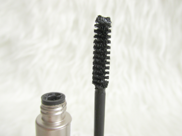 LOGONA Mascara Natural Look - 01 black - Bürste