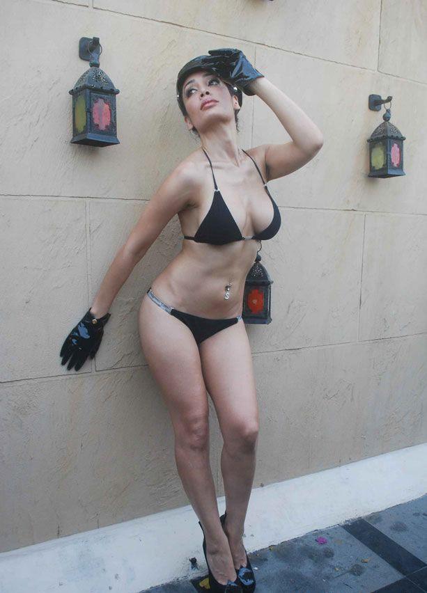 Hot bikini models pics