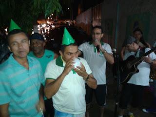 Ricardo com amigos durante confraternização do Pirapemas Esporte Clube da Ilha (PECI),  time na qual ele é diretor presidente