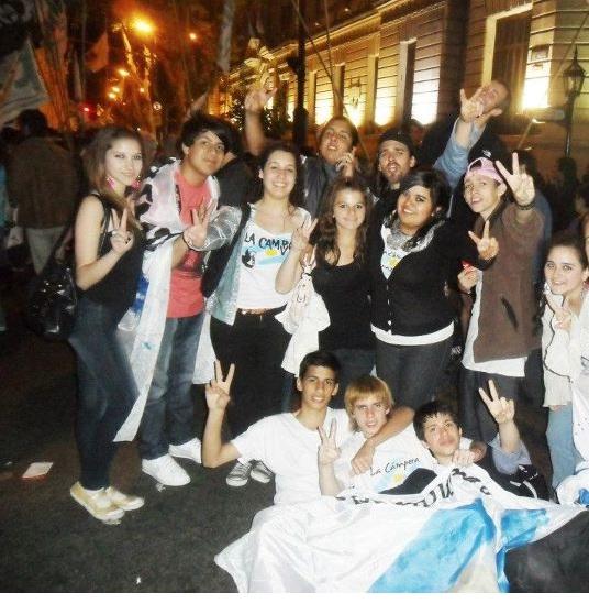 Chicas de la Campora (apto)