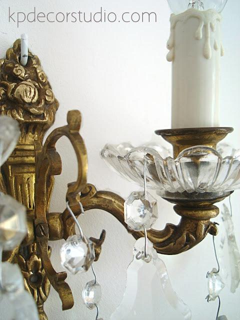 Lampara de bronce vintage dorada con cristal. lamparas clasicas doradas de cobre y lagrimas de cristal