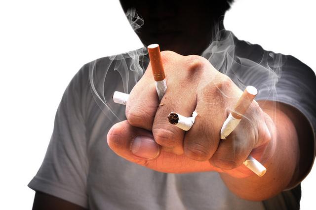 Cara Negara China Melatih Tenteranya Untuk Berhenti Merokok