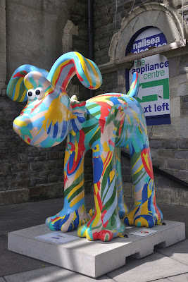 Feathers Gromit (side view)