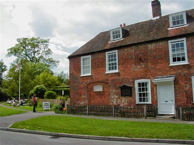 "A ""cottage"" em Chawton onde Jane Austen viveu, hoje a Casa-museu Jane Austen"