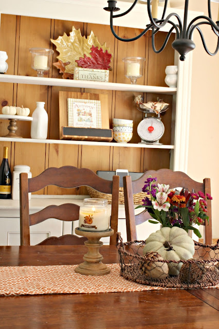 Dining room with fall decor-www.goldenboysandme.com