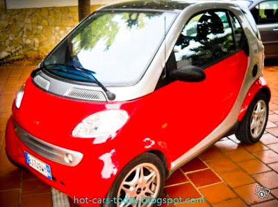 red car smart fortwo