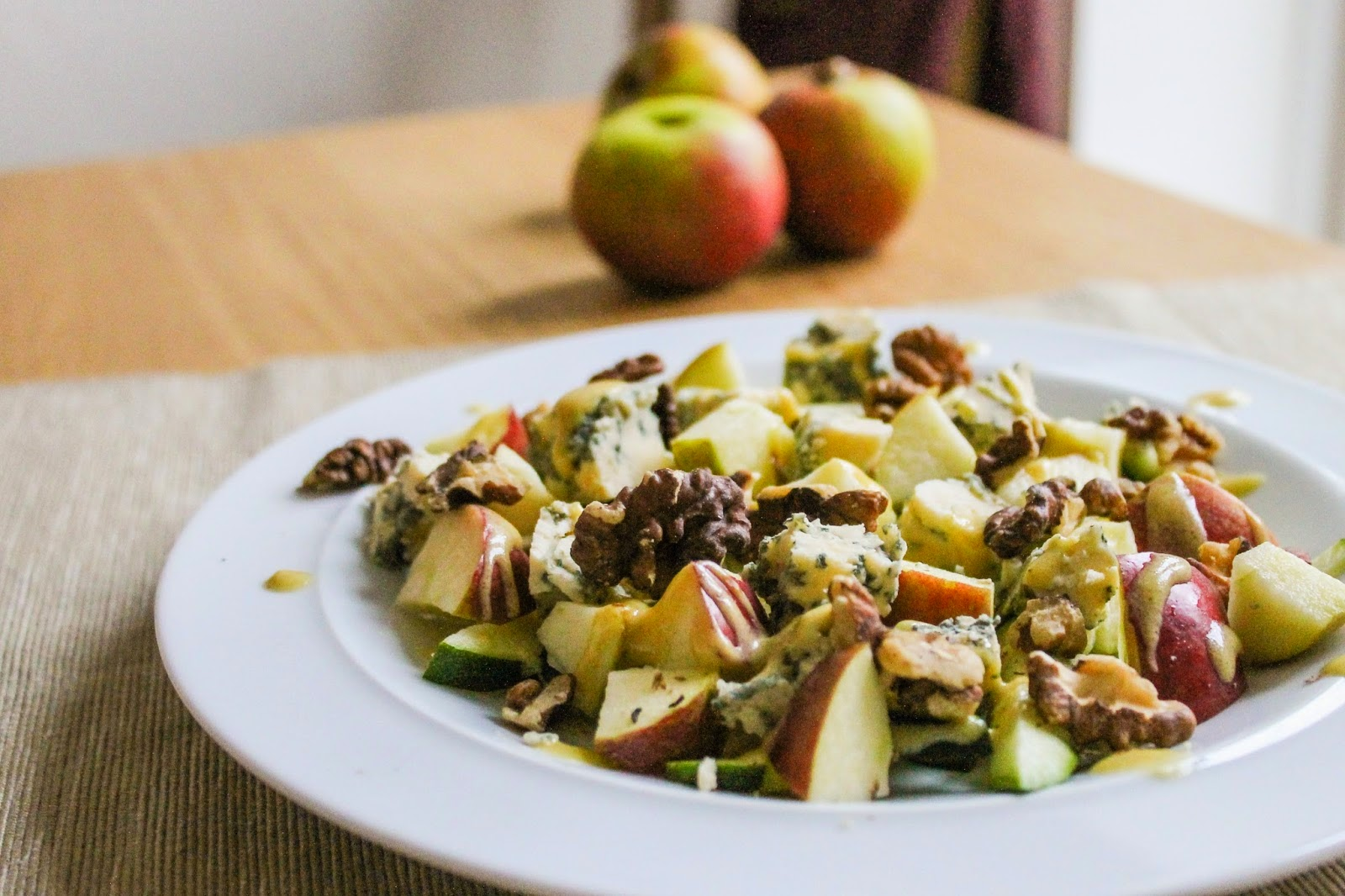 Stilton & Walnut Salad